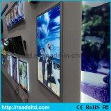 Schiocco dell'alluminio che fa pubblicità alla casella chiara sottile della visualizzazione LED