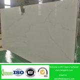Calacuttaの台所カウンタートップのための白い設計された水晶平板