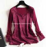 Camisa bicolor del cuello del `S V de las mujeres