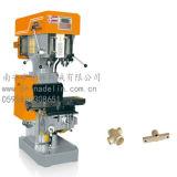Perforazione del PLC Zs4132*2 del Ancon del macchinario di Delin e macchina di spillatura con 2 assi di rotazione