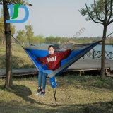 Trägt leichte bewegliche Nylonfallschirm-Hängematte für das Wandern
