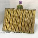 노란 안전 박판으로 만들어진 유리 훈장을%s 기술 또는 예술 유리