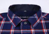 Camicia calda del plaid degli uomini