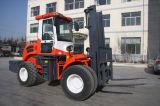 5500kg 4WD weg Straßen-vom Dieselladeplatten-Gabelstapler mit Cer