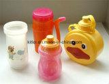 La bouteille résistante à la chaleur respectueuse de l'environnement de cuvette en plastique de cruche d'eau badine des jouets