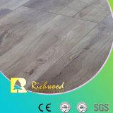 V plancher stratifié en bois de chêne d'enduit de cire de cannelure