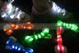 O diodo emissor de luz ilumina acima os laços de sapata de nylon do laço elástico instantâneo do fulgor