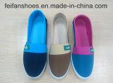 L'iniezione della tela di canapa dei bambini calza i pattini casuali delle calzature personalizzati (HP-4)