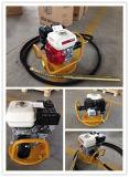 Benzina Concrete Vibrator con Robin Engine Ey20