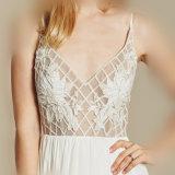 A - ligne robe de mariage plissée de jardin de courroies de spaghetti avec l'Applique