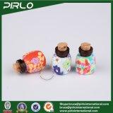 Glasflasche der bernsteinfarbigen Farben-2ml mit Plastik-Lehm-Oberflächen-kleiner Miniduftstoff-Glasphiole mit Korken-Stopper-hängender kosmetischer Flasche