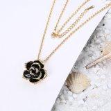 Nam Juwelen van de Vrouwen van de Halsband van de Tegenhanger van het Bergkristal van Neckalce van de Tegenhanger van de Vorm van de Bloem de Gouden toe
