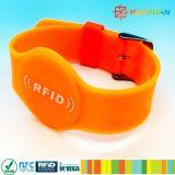 주문을 받아서 만들어진 로고 125kHz Em4200 실리콘 지능적인 RFID 소맷동 Braclelet