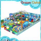 プラスチックのきれいな子供の多彩な屋内運動場のタイプ
