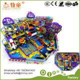 Campo de jogos interno para os miúdos 1-18years e o adolescente idosos. Trampoline da corrediça do plástico e da fibra de vidro