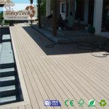 熱い販売の階段のための屋外の木製の穀物WPC PolywoodのDecking