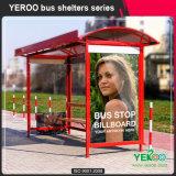 El abrigo del letrero tasa la parada de omnibus que hace publicidad de precio de fábrica