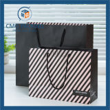 Bolsa de papel negra con la insignia impresa (DM-GPBB-020)