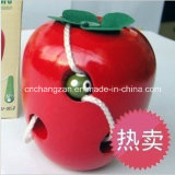 Le viti senza fine mangiano il grande giocattolo di filettatura delle mele