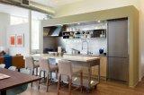 Ржавые бежевые Countertop кухни гранита и верхняя часть тщеты