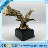 2016 estatuas caseras modificadas para requisitos particulares más valoradas del águila de Polyresin del regalo de la decoración