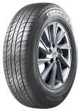 Sonniger Marken-Auto-Reifen