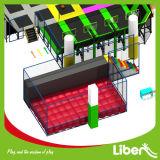 Modèle d'intérieur de grande taille et construction de stationnement de tremplin de sac d'air de gosses