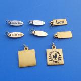 金属によって刻まれる装飾的な宝石類は付く(BOX-KEZ-1118)