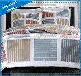 Одеяло постельных принадлежностей заплатки вышивки зернокомбайна