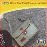 Le signore scelgono la borsa di cuoio dell'unità di elaborazione del sacchetto del cellulare del sacchetto di spalla