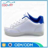 中国OEM新式のLEDは運動靴をつける