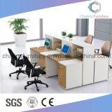Sitio de trabajo de madera moderno del vector de los muebles de oficinas