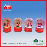 Дешевое Little Snow Globe с низовой метелью Christmas Figure Decoration