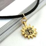 Lederne Choker-Halskette mit Weinlese-Goldfarbe
