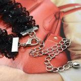 優雅で粋な宝石類の黒の女性のための伸縮性があるレースのチョークバルブのネックレス