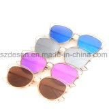Atacado Moda Brand Metal óculos de sol em estoque