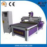 1300*2500mm CNC木製Machinery/CNCのルーターの圧力車輪が付いている木製の打抜き機