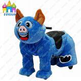 Giri animali motorizzati simili a pelliccia del Kiddie della batteria elettrica del maiale per il centro commerciale