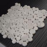 Красивейшая миниая круглая плитка мозаики Carrara белая мраморный для ванной комнаты