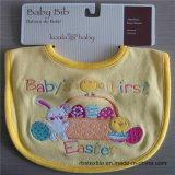 100%の刺繍が付いている柔らかい綿の赤ん坊の胸当て