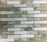 新しい薄板にされた縞の形陶磁器の、ガラスおよび石のモザイク