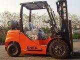Langspielplatte-Gasmotor-Gabelstapler 3000kg mit Triplex Mast 6m