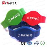 アクセス制御のための最もよい生産者RFID NFCのシリコーンのリスト・ストラップ