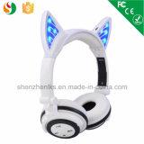 Radio mains libres brevetée de Bluetooth d'écouteurs d'oreille de chat d'OEM de sport