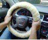 Cubierta de costura del volante del coche del invierno de la piel de la mano