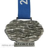 Medalla corriente del medio del maratón del cabrito fango de encargo del rastro con la cinta