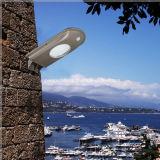 Facile d'installer les lumières solaires extérieures fixées au mur de jardin de lumen élevé