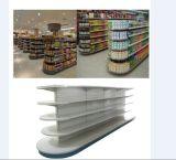 슈퍼마켓은 선반설치 저장 선반을 선반에 놓는다