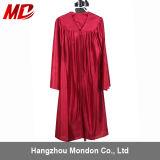 Robe longue rouge de graduation de jardin d'enfants