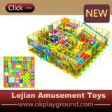 O entretenimento colorido caçoa o campo de jogos interno macio (T1504-4)